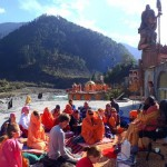 Short rest during the Pilgrimage to Amarnath Cave
