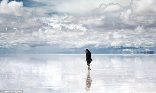Salar de Uyuni world's largest mirror surface