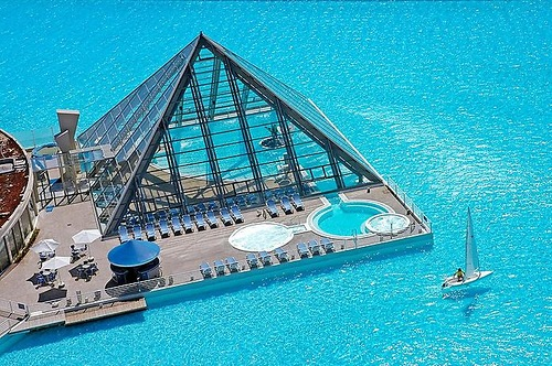 biggest pool in the world