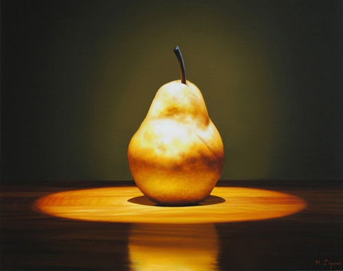 A pear. Hyperrealistic painting by American artist Michael Zigmond