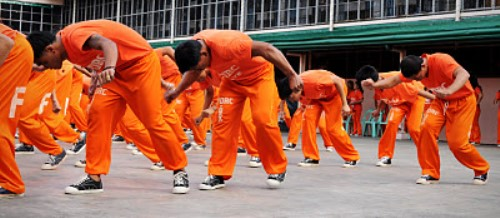 1500 Philippine Prisoners Dance Michael Jackson
