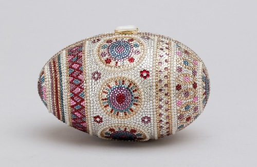 Sample of jewelry art – Faberge style handbag by Judith Leiber