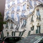Trompe-l'oeil melting house at George V Avenue in Paris