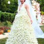 White beauty. Flower Dress fashion show in Moscow