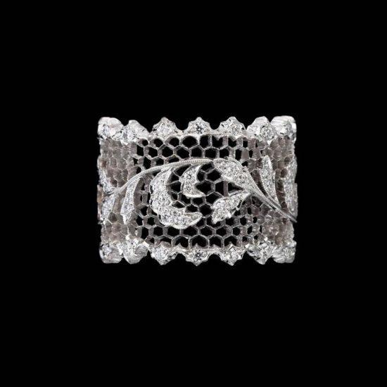 Beautiful Lace jewelry of Buccellati style
