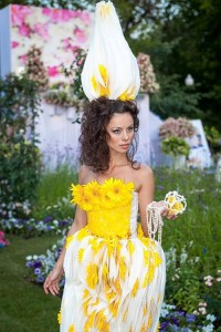 Yellow and white inspiration. Flower Dress show in Moscow