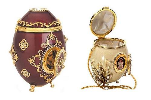 Arabesque Handbag & Bridal Bouquet by Vivian Alexander