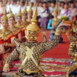 Exotic Cambodian dancers perform in Phnom Penh on July 7, 2009