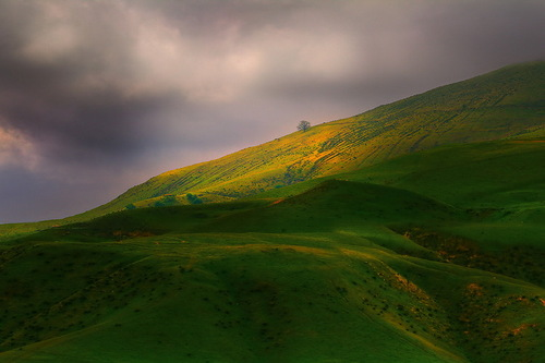 Sunset over the hills. Colorful landscapes by nature photographer Kevin McNeal
