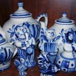 Paper and salt shaker, and tea pots. Gzhel