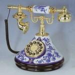 Retro telephone – Gzhel