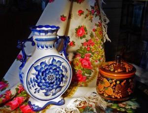 Khokhloma, Gzhel and Pavlovo-Posad shawl, traditional crafts