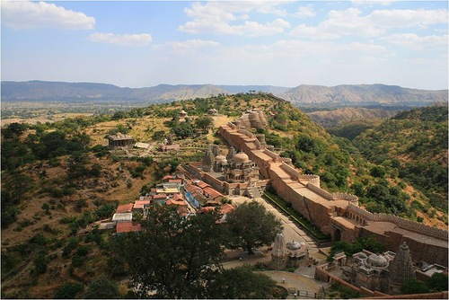 Aerial view of a portion of the Kumbhalgarh wall