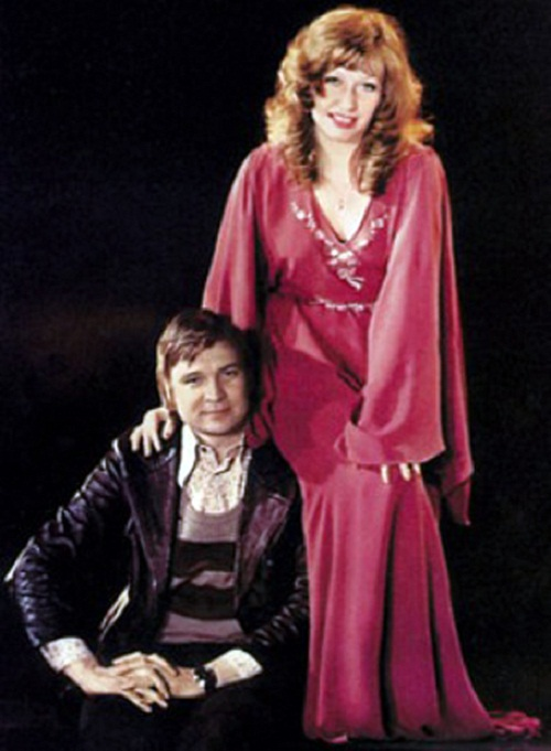 Pugacheva then married film director Alexander Stefanovich in 1976, and starred in a few of his movies.
