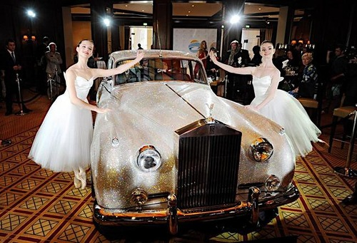 Rolls Royce Silver Cloud II 1962 with Swarovski crystals