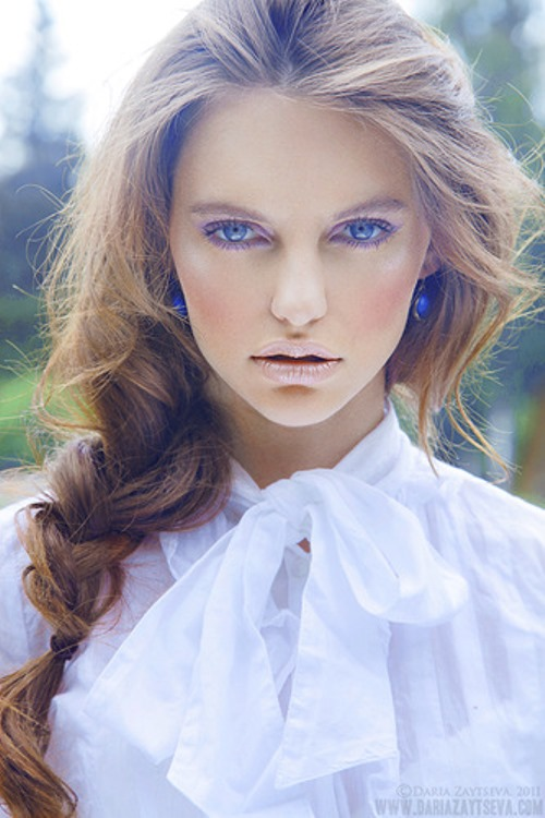 Fashion photography by young Russian photographer Daria Zaitseva
