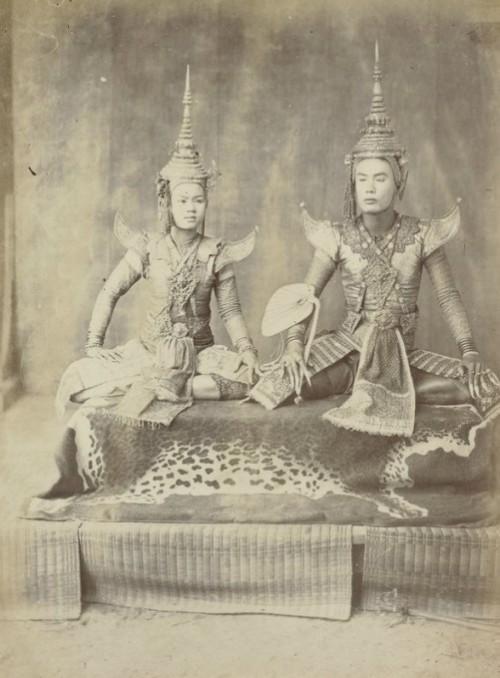 Amazing Siamese couple, vintage photo