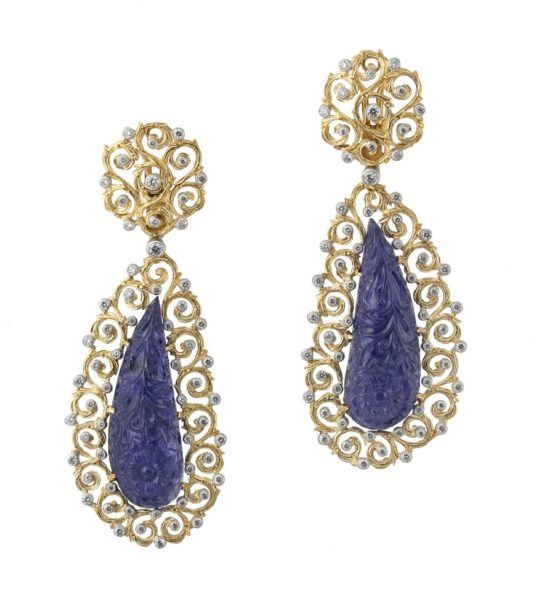 Tanzanite - blue-purple gem crystals from the family of zoisite, the color changes according to the orientation of the crystal