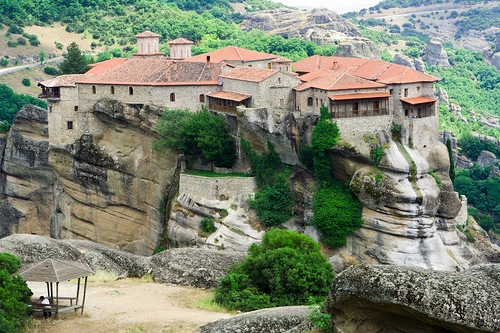 Varlaam Monastery (or Barlaam Monastery) in the Meteora is named for the monk who first built a tiny chapel on this rocky promontory in the 14th century.