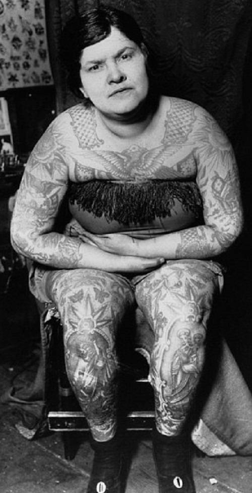 Vintage photograph of incredible head-toe-ink women, 20s-30s-40s