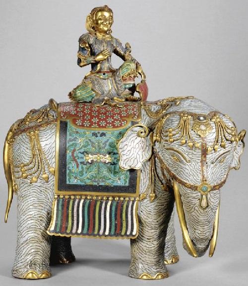 Exquisite porcelain elephant