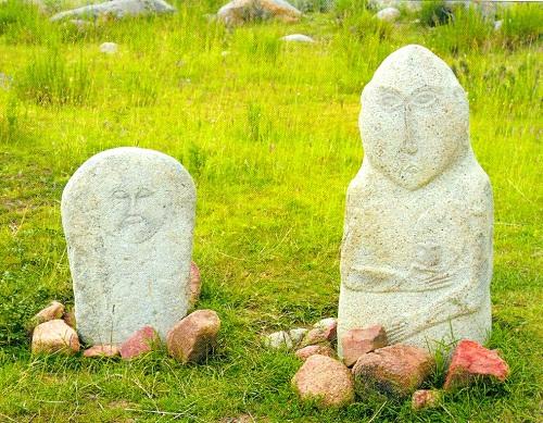 Stone idols of Ukok Plateau