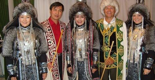 traditional folk costumes of Yakuts