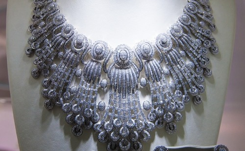 Rich necklace