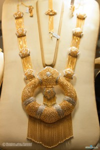 Large gold necklace