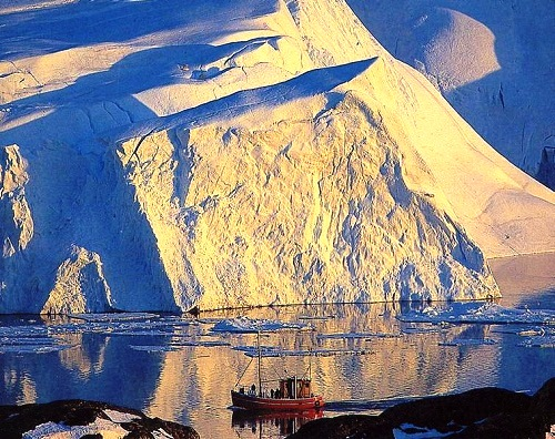 Colors of iceberg in the sun