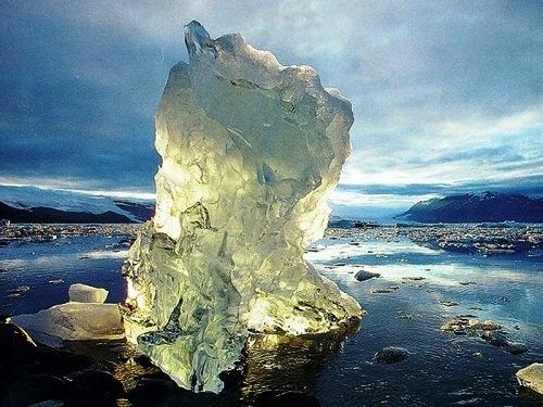 Stunning icebergs
