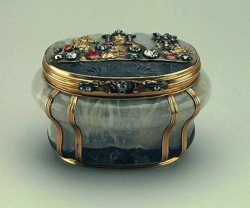 Amethyst quartz, gold, silver, diamonds, rubies, embossing, engraving. Height. Germany. Dresden. Mid-18th century.