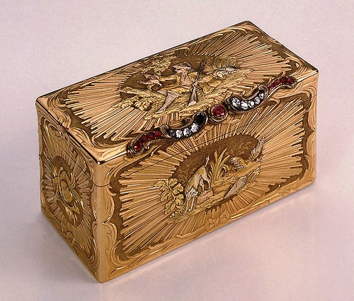 Snuffbox depicting hunting scenes. Gold, diamonds, rubies, stamping, polishing. Dyukroley, Jean. France. Between 1750-1756
