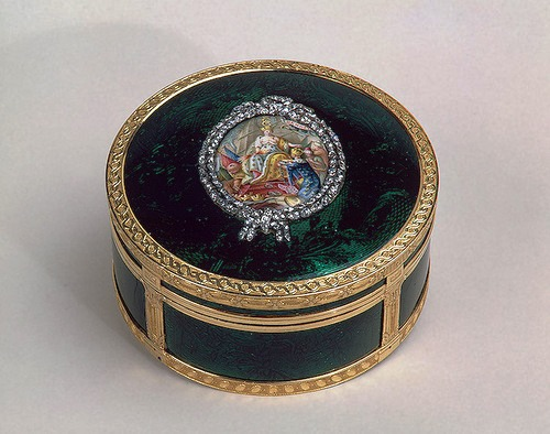 Snuff box with a picture of Catherine II, receiving the keys to the city of Bendery