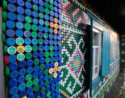 Olga Kostina decorated her house with recycled plastic bottle caps