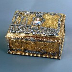 Snuff box with a portrait of the Empress Elizabeth Gold, silver, diamonds, glass, miniature enamel stamping, polishing, painting. Russia. St. Petersburg. The end of the 1750s.