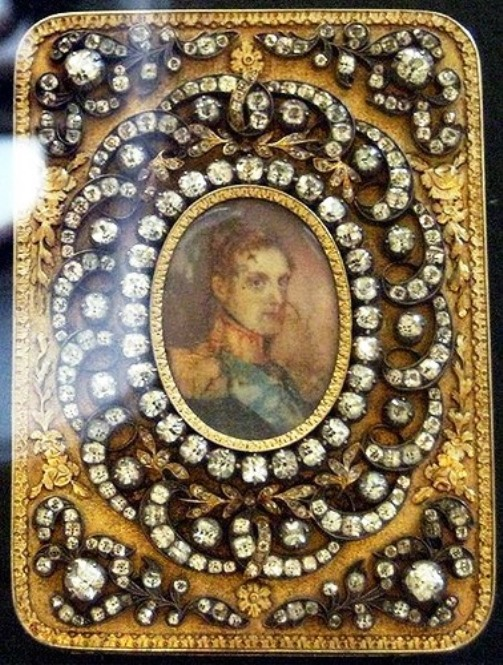 Snuffbox with portrait of tsar Nikolas I. 1834. Moscow State historical museum