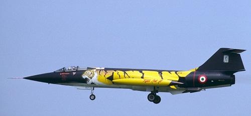 Black and yellow Aircraft graffiti