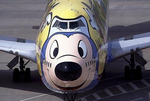 Cartoon character in Aircraft graffiti