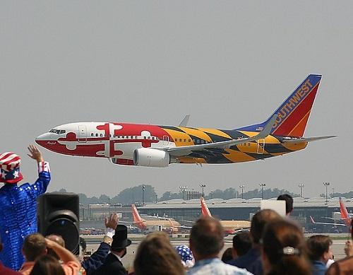 Bright colors of Aircraft graffiti
