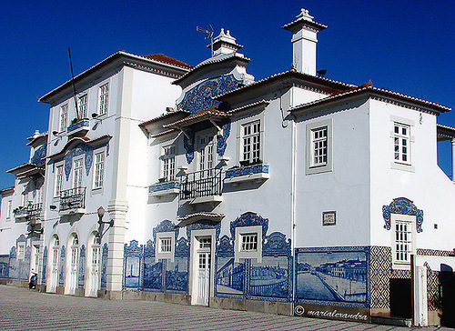 Meanwhile, Azulejo art attracts lots of tourists