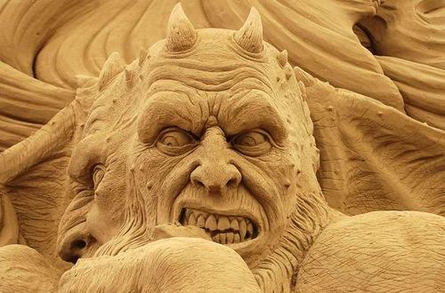 Demon Sand sculpture
