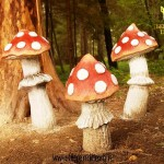 Red and white Amanita, sculptures