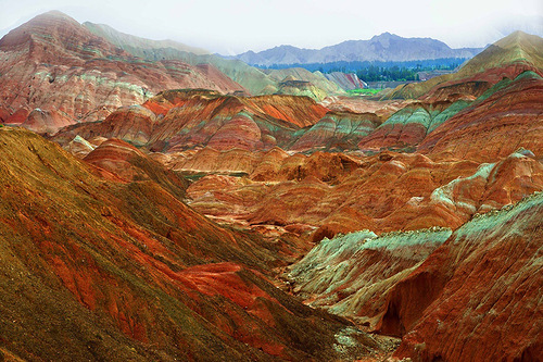 In the mountains of Danxia – magnificent landscape in China