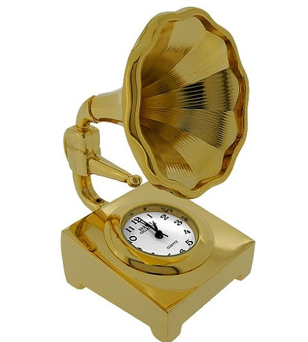Gold Grammy PHONOGRAPH, fine replica phonogaph mini clock. Cast in metal with a gold finish, the horn can spin out in either direction. Features a quality quartz movement timepiece with crisp black numerals as the turntable