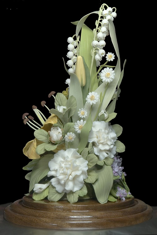 Porcelain flowers by creative group 'Lyudmila'
