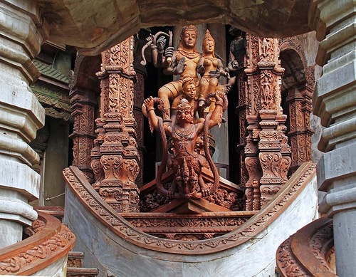 Here you can see scenes from the legends and myths of India, China, Thailand and Cambodia