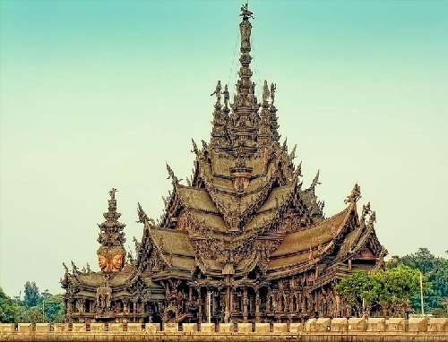 The uniqueness of the Temple of Truth is that it is built only of wood and without a single nail