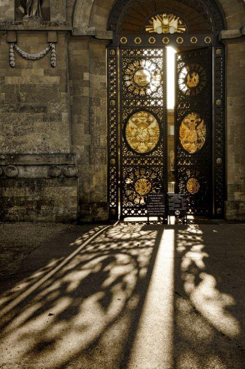 UK - Oxon - Blenheim Palace Gates By Darrell Godliman