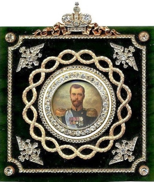 TABLE medallions from Cabinet of His Imperial Majesty and the Portrait of Emperor Nicholas II. Platinum gold, jade, miniature on bone, diamonds, diamonds. Faberge Workshop G. Vigstrem, miniaturist Zuyev. Russia, St. Petersburg, 1908-1917